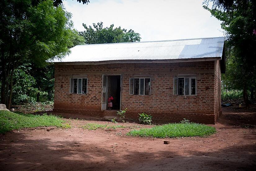 Daada's house where Butono was raised