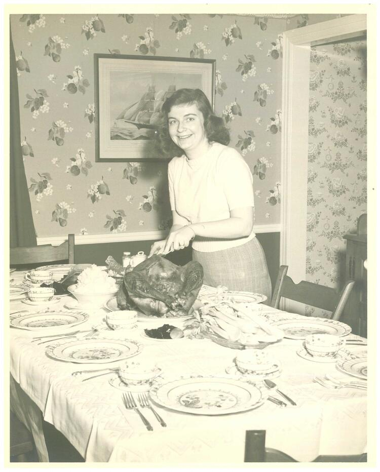 Mom_at_Thanksgiving_Table